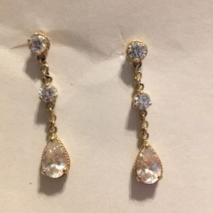 Jewelry - Crystal dangling earrings